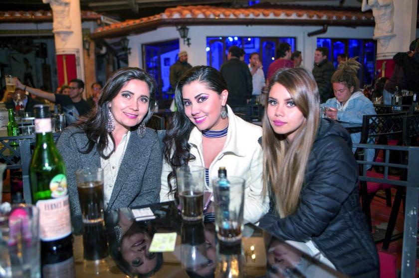 Karina Matienzo, Fabi Domínguez  y María José Ballesteros