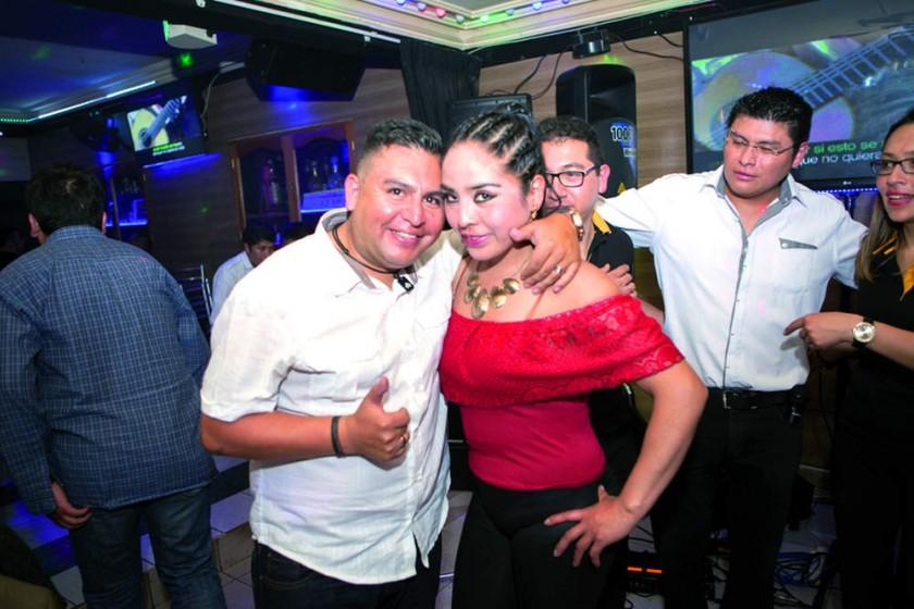 Orlando Flores y Consuelo Romero.