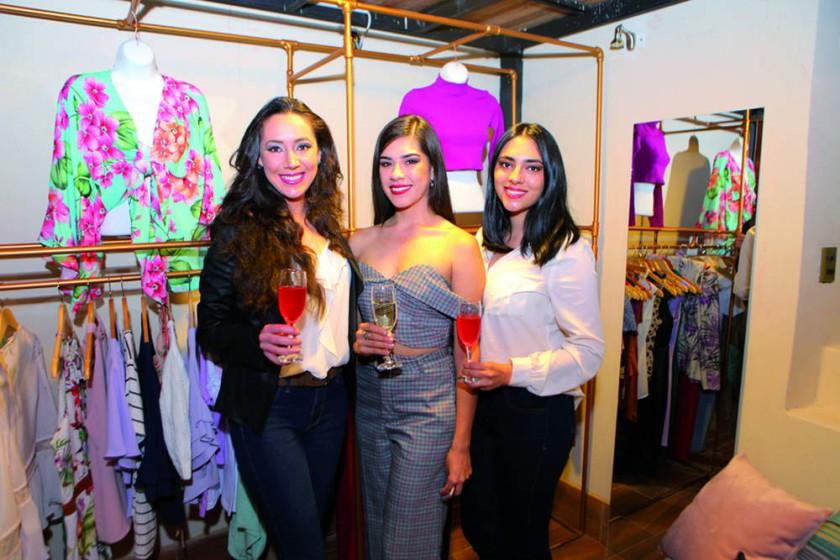 Carolina Avila, Luciana Lazo y Paola Flores.