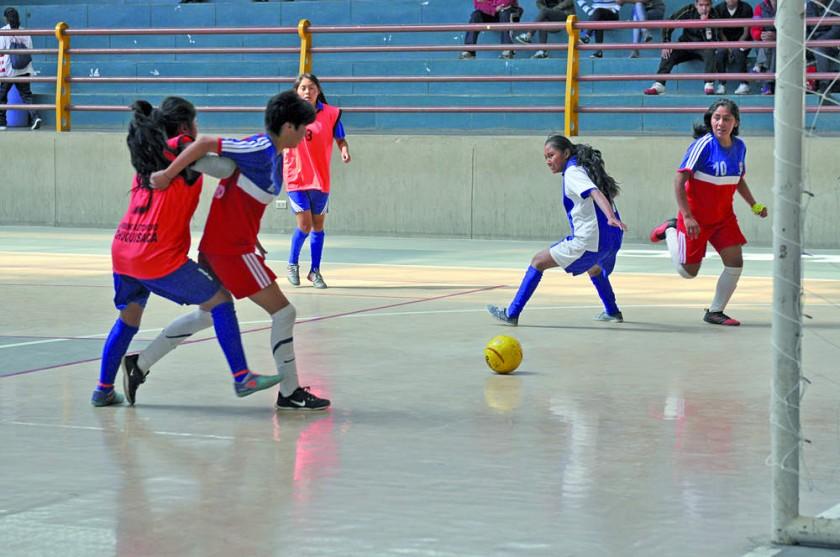 ?Villa Abecia, Sucre y Huacareta avanzan en futsal