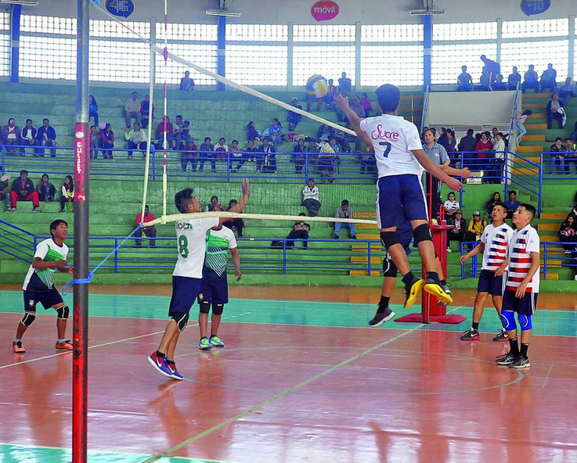 Bet El de Sucre derrotó ayer a San Jacinto de Icla, en voleibol.