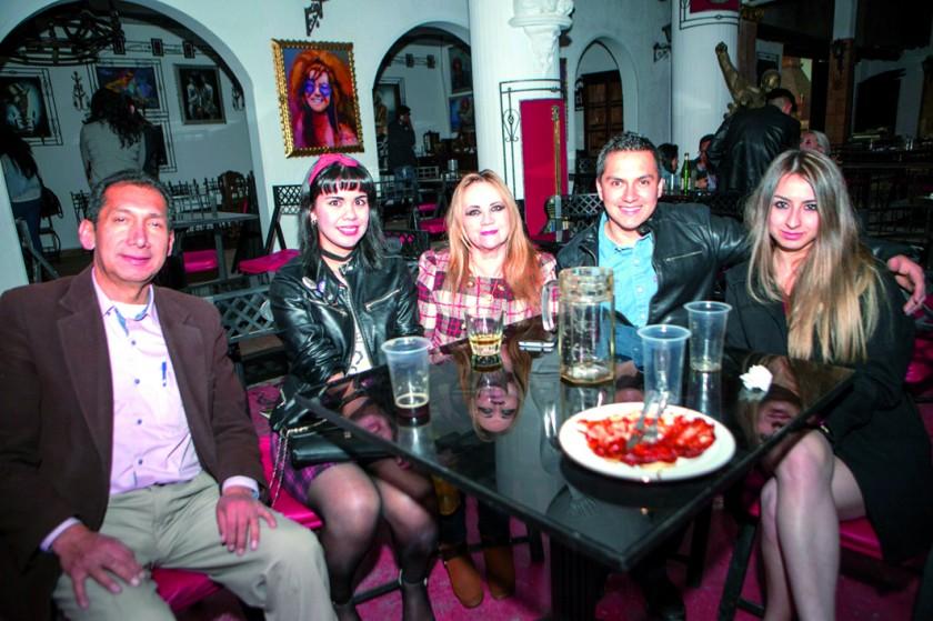 Isidoro García, Lauren Céspedes, Edmy Ayaviri, Álvaro García y Lorena Tapia.