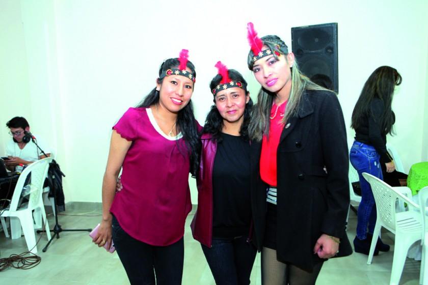 Indira Murillo, Marlene Pozo y Gabriela Acuña.