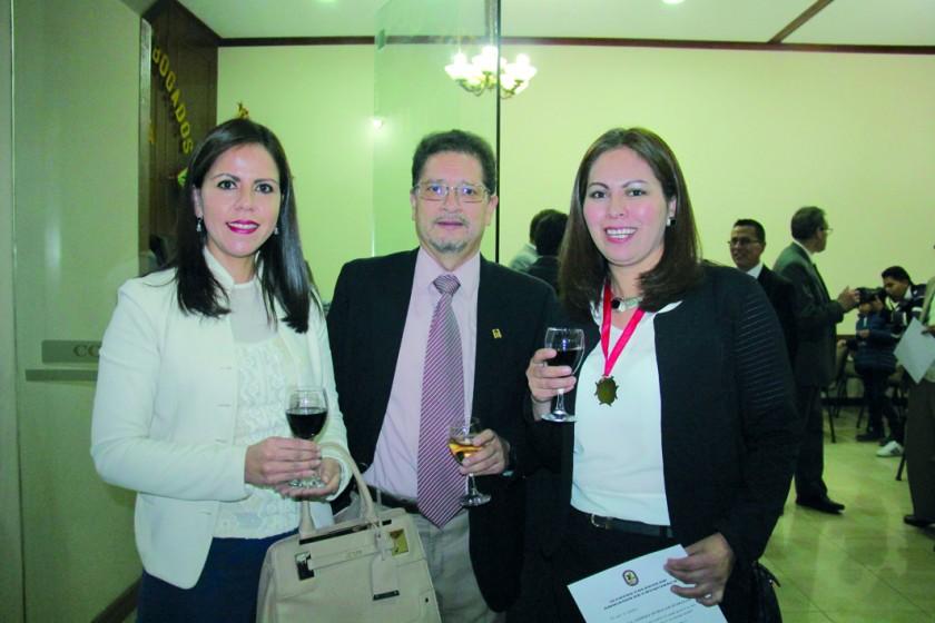 Viviana Berríos, Tomy Durán y Tatiana Echalar.