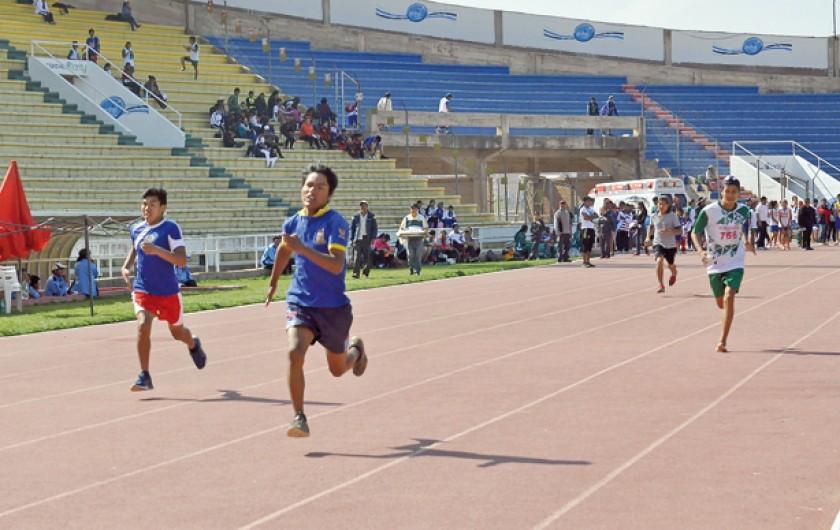 La disciplina de atletismo fue una de las más reñidas y se desarrolló ayer en la pista atlética del estadio Patria.