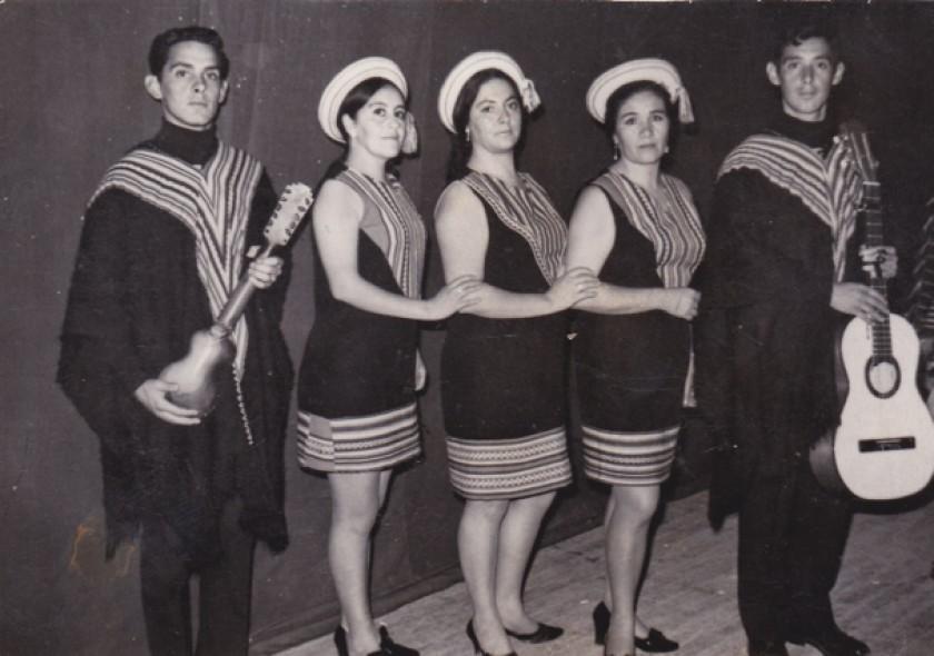 Maestra Helga Cáceres de Gonzales