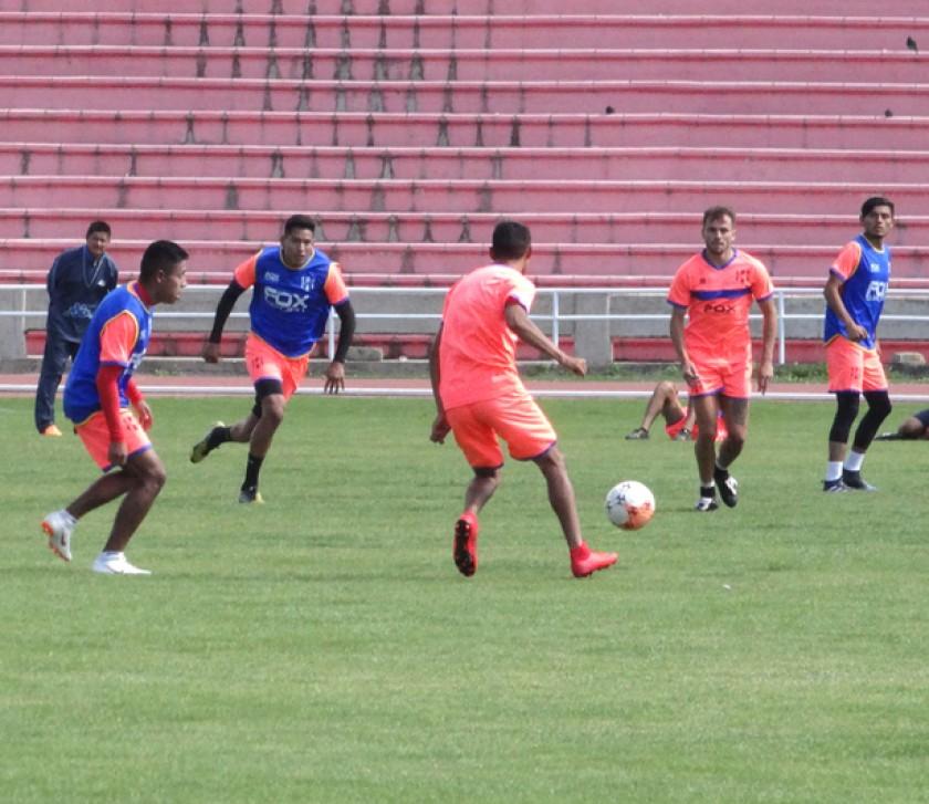 Independiente y Alemán cerraron sus prácticas ayer de cara a los cotejos de hoy, ante rivales de Tarija.