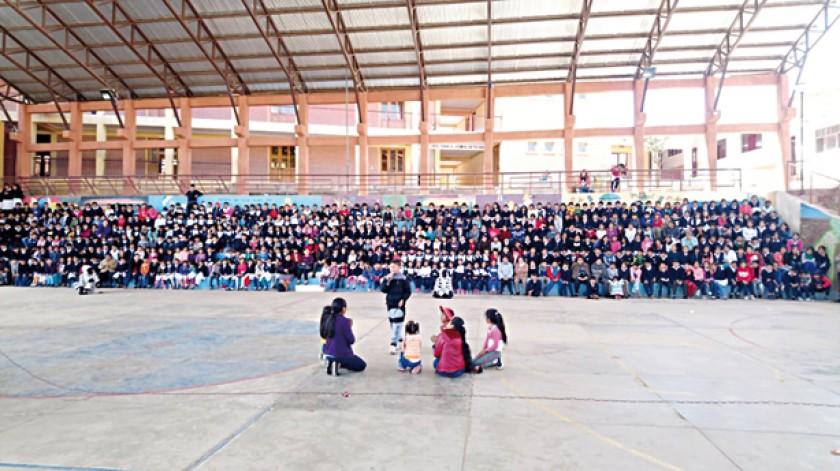 ENCUENTRO. Niños de la escuela José Clemente Maurer.