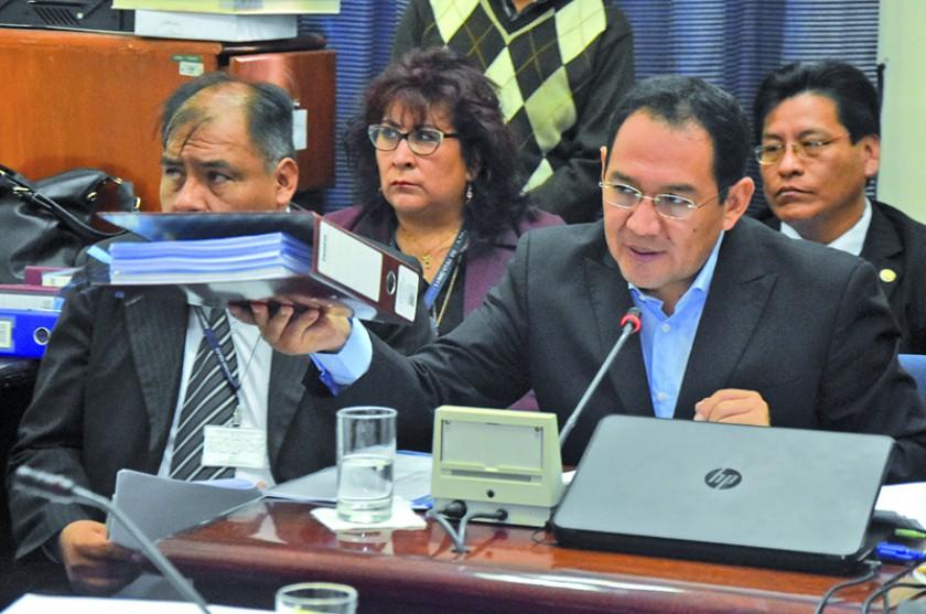 MOLESTO. El fiscal General Ramiro Guerrero acudió a la Comisión de Diputados para brindar informe sobre la investigación