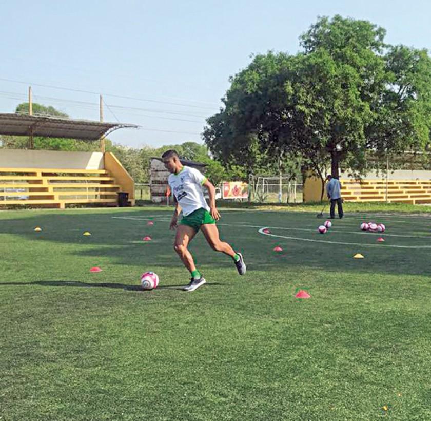 La práctica de la Verde ayer, en la ciudad de Rangún, donde enfrentará a Birmania, que ayer cayó en su primer amistoso p