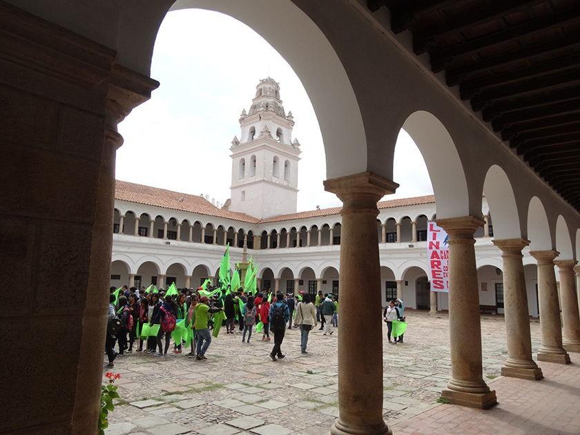 Comienza el periodo de campaña para los claustros de la Universidad San Francisco Xavier. FOTO: Enrique Quintanilla