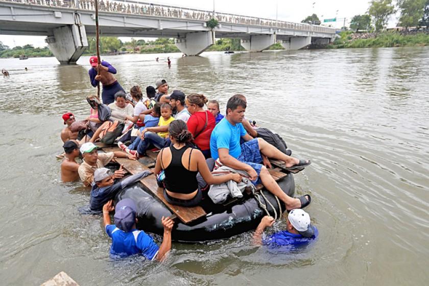 Caravana muestra desesperación de migrantes