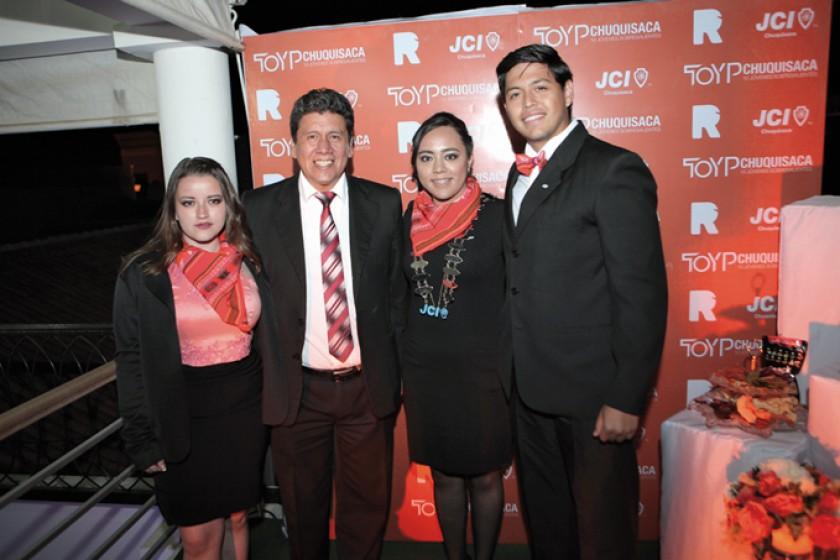 Cecilia Ríos, Iván Arciénega, Andrea Lescano y Sebastian Lescano.