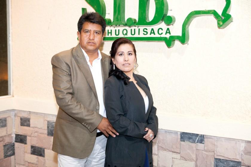 Armando Romero y Elizabeth Rojas.