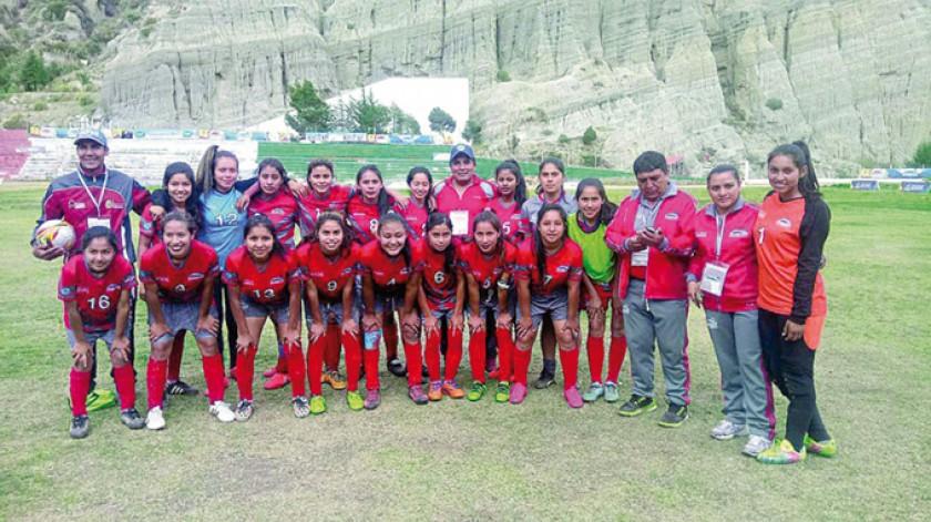 Las chicas de Monteagudo jugarán por el tercer lugar en fútbol femenino.