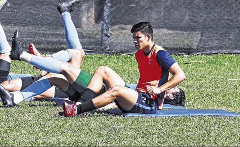 En Blooming, Cordano sustituirá al meta Suárez.
