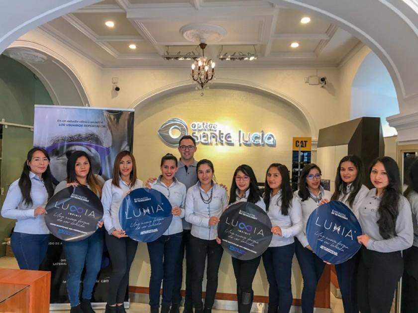 Asesoras Ópticas y de Ventas, de Óptica Santa Lucía - Sucre, reciben la certificación internacional LUXIA CAMBER