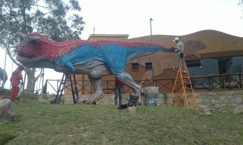 """""""Manito"""" a los dinosaurios"""