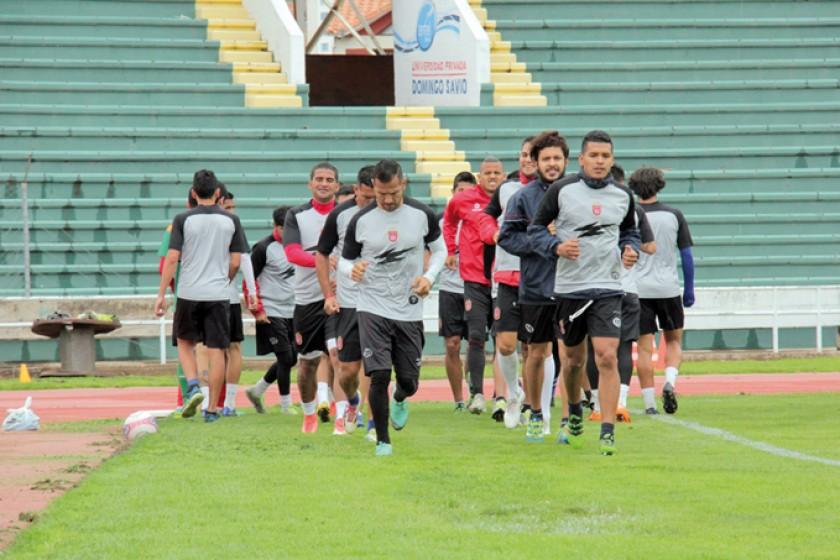 """La """"U"""" sigue a cuatro puntos del Real Potosí en la zona del descenso"""