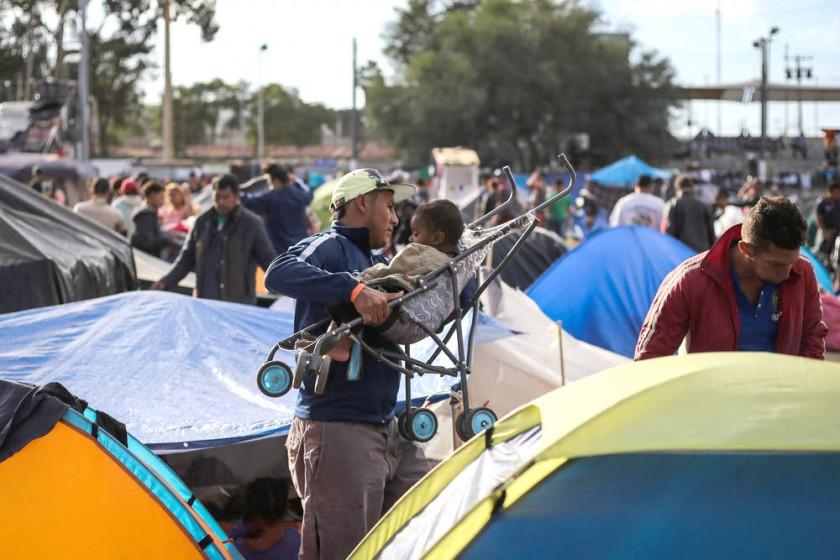 Trump amenaza a migrantes