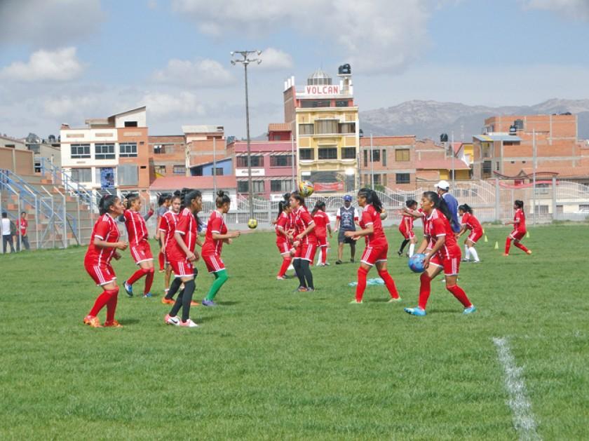 Las selecciones de fútbol de Chuquisaca que participarán de la Copa Estado Plurinacional.