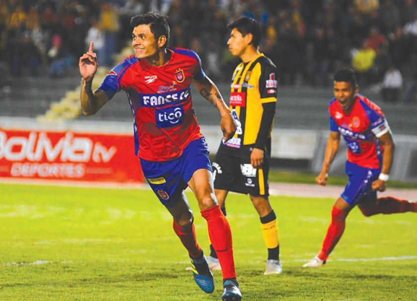 """La """"U"""" gana al Tigre y resurge la esperanza casi al final del torneo"""