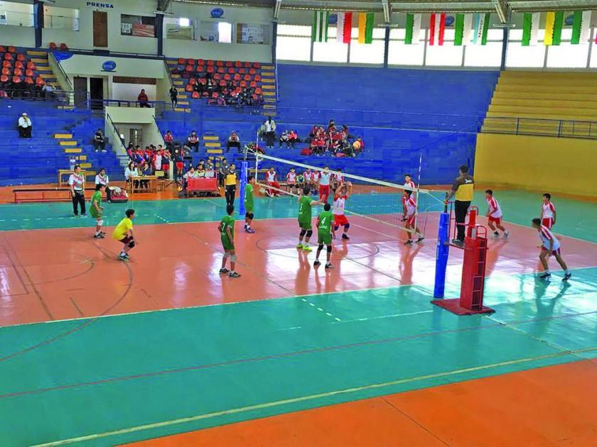 Ayer se pusieron en marcha los nacionales de damas sub 12 y de varones sub 13 en Sucre.