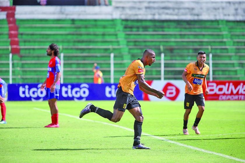 El brasileño Jefferson Tavares anotó el gol de la igualdad para el local.
