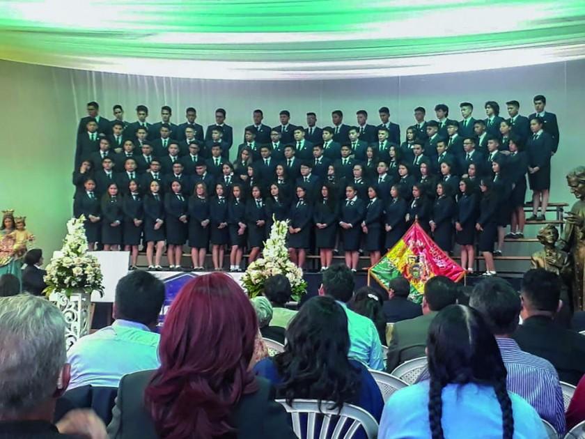 """La promoción del colegio Don Bosco """"SUASCEV"""" 2018, turno mañana particular."""