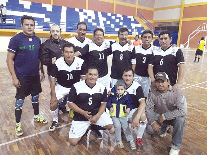 Equipo de futsal de la Promoción 1993.