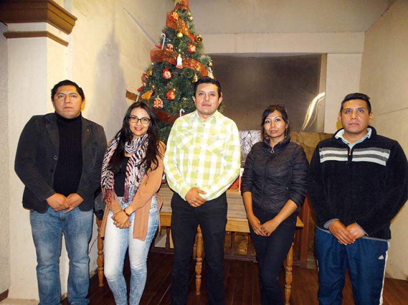 Paul Poveda, Michelle Quevedo, Gustavo Ledezna, Helen Espada y Rolando Checa.