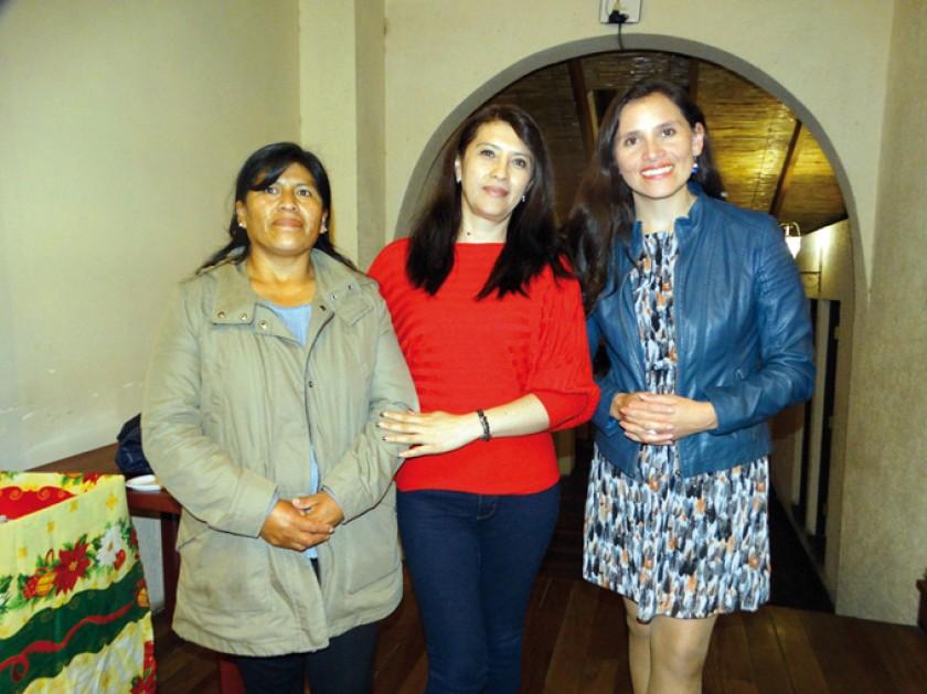 Isabel Méndez, Lizeth Córdova y Sara Vladislavic.