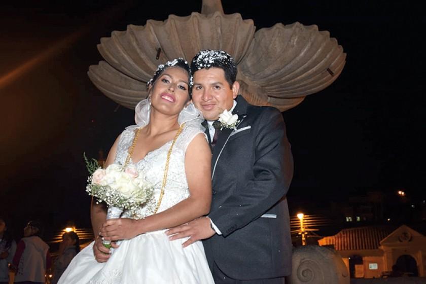 Los novios Alejandra Melendres Flores y Wálter Cardozo Dulón.