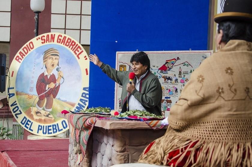 El Presidente compareció ayer ante los periodistas de la radio San Gabriel y mujeres de El Alto. Foto: ABI