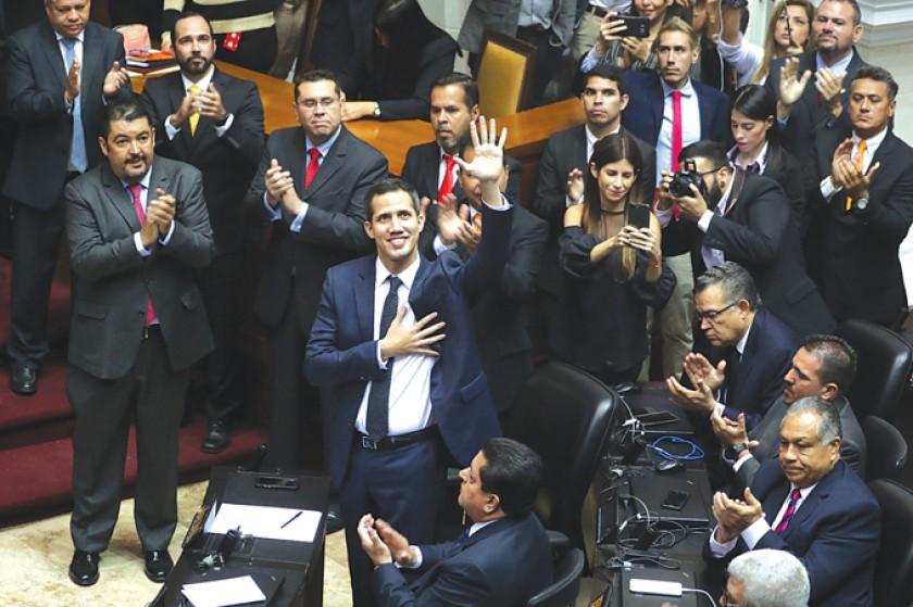 Venezuela: Asamblea busca un Gobierno de transición sin Maduro