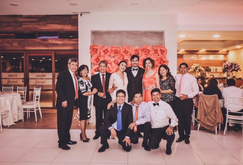 Los novios con la familia Pórcel Arancibia: Favio Pórcel, Yolanda Pórcel de Prieto, Edmundo Pórcel, Rosa Pórcel Molina,