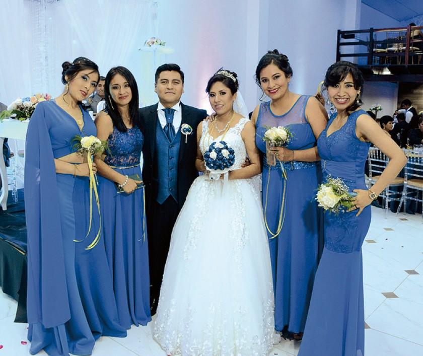 Damas de Honor: Litzi Llanos, Deonilda Vedia,  José Luis Machaca, Indira Murillo, Jimena Aguilar, Ana Karen Mendoza.