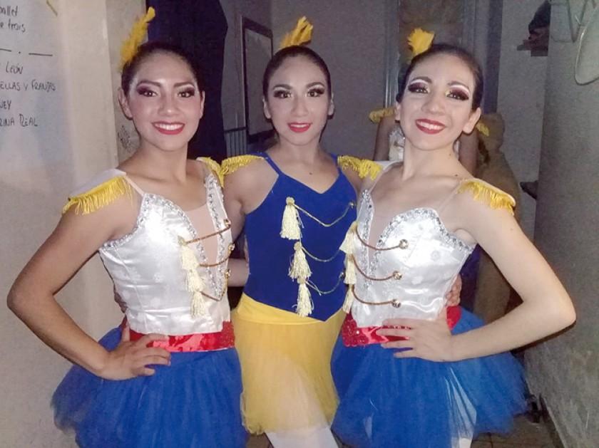 Carla Quiroga, Daniela Torres y Alejandra Urioste.