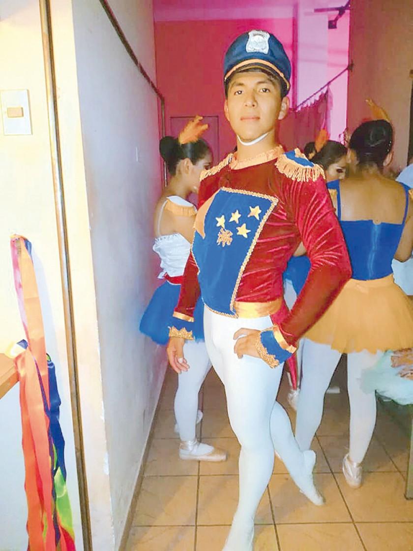 Héctor Adan, soldado de Estrellas y Franjas.
