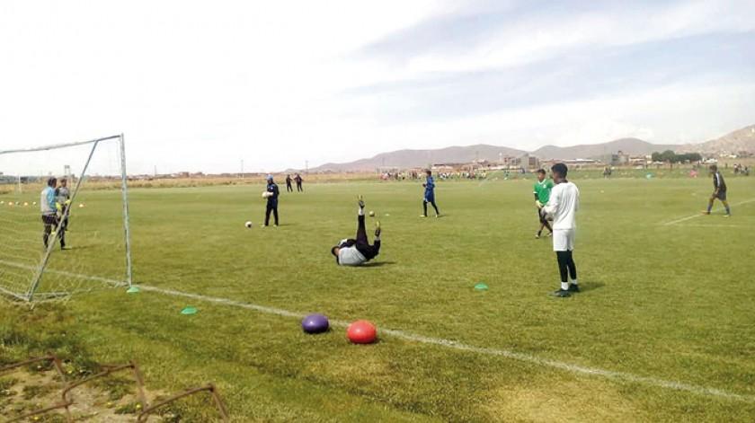 Los primeros entrenamientos de San José, que tiene una nutrida plantilla para el torneo Apertura y la Libertadores.
