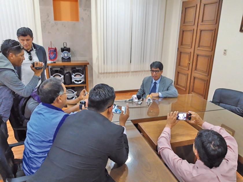 El directorio del club Universitario se reunió la tarde de ayer y las conclusiones fueron dadas a conocer por su preside