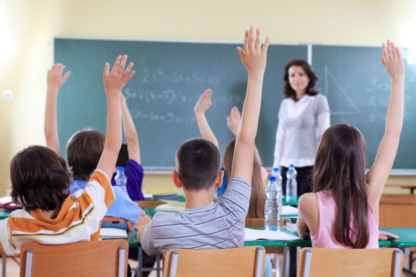 Es importante que los niños pierdan la timidez y aprendan a ser participativos en clases.