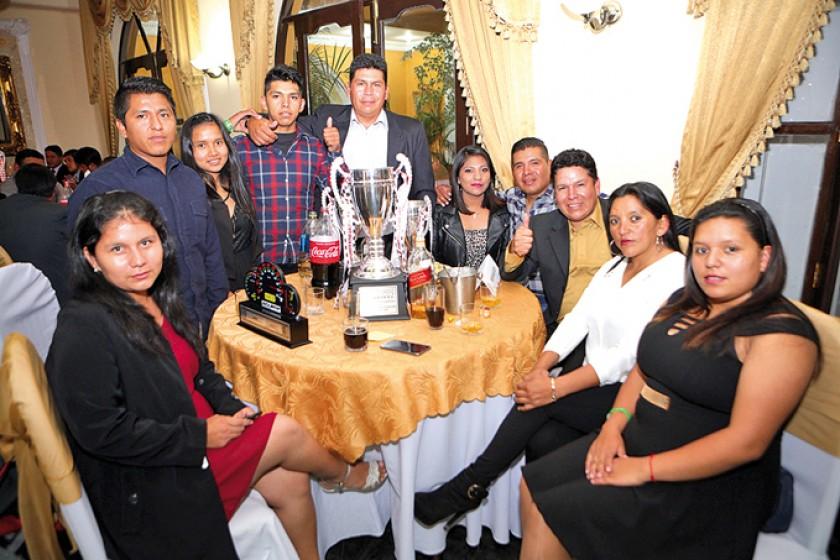 La familia Ayllón.