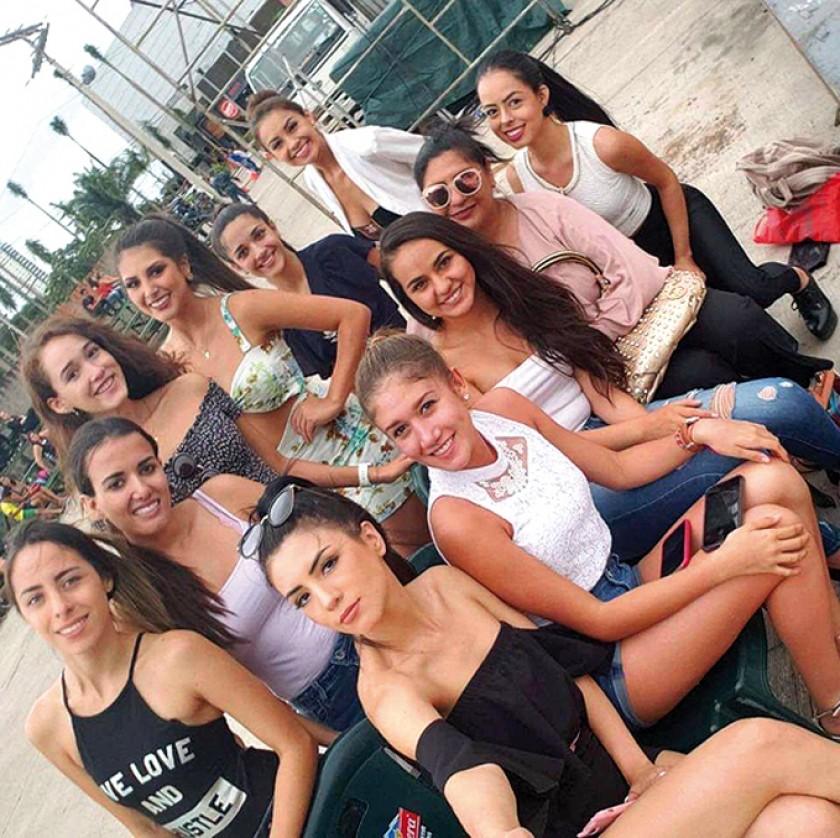 En el ensayo, compartiendo con las chicas de Cochabamba y Santa Cruz.