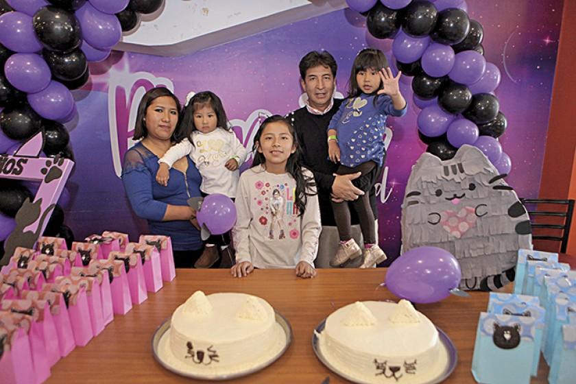La familia: Mirian Villca, Aria Ledo, Zelene Padilla, Rolando Ledo y Romina Ledo