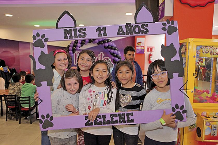 Natalia Barja, Camila Chávez, Alejandra Gómez, Zelene Padilla, Abril Torres y Ángela Baspineiro
