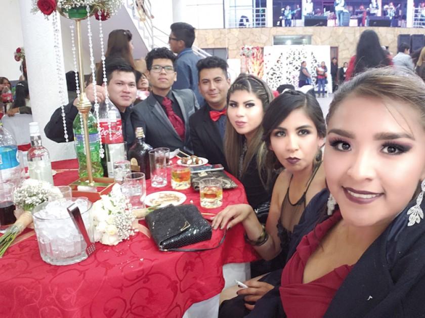 Nazareno Vasco, Benjhamin Soto, Cristhian Catata, Daniela Catata, Jhaira Calvo y Edith Lemaitre.