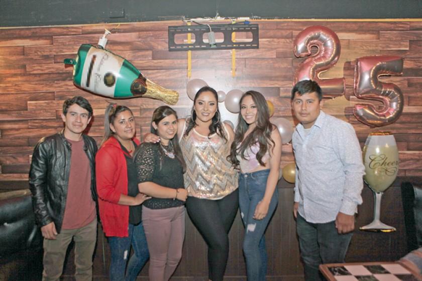 Dominic'k Villa, Melisa Cruz, Mariana Sánchez, Abril Salinas,  Fernanda Ugarte y Yamil Cepeda.