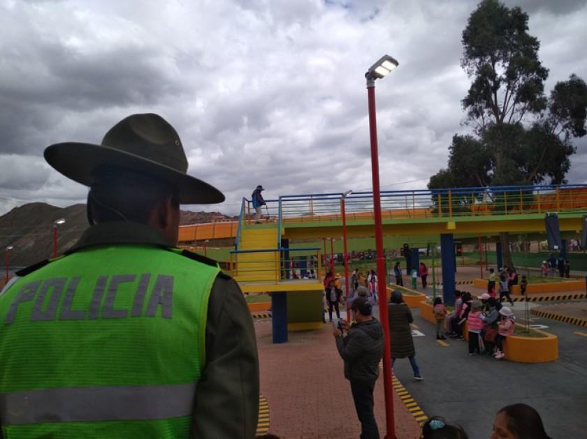 El parque está administrado y a cargo de la Policía Boliviana.