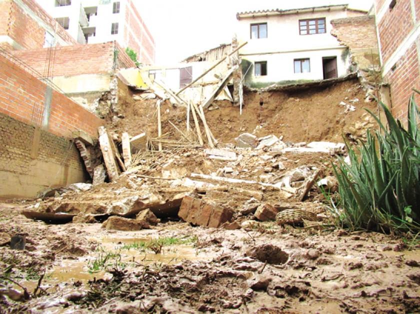 COLAPSO: Las lluvias provocan más aflicción